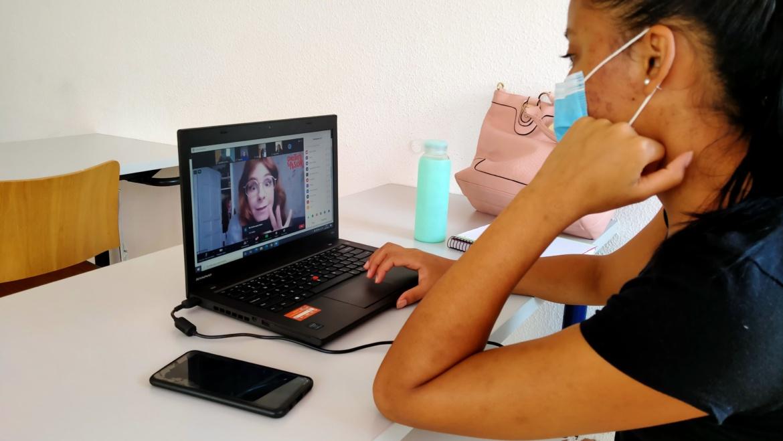 Apoyando la participación virtual en el Campus de Gira Coca-Cola